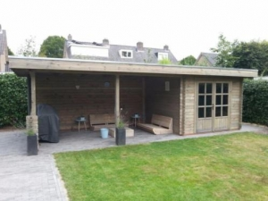 Blokhut met overkapping Laza 300x300+500x300ad+100zd